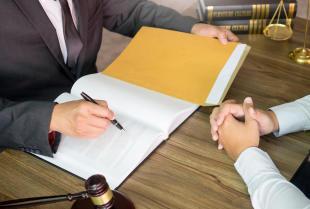 Jakie problemy związane z finansami pomoże nam rozwiązać radca prawny?