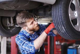 Jakie naprawy silnika jest w stanie wykonać profesjonalny warsztat?
