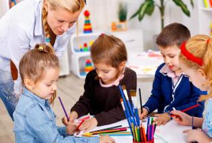 Dlaczego warto zdecydować się na mniejsze i bardziej kameralne prywatne przedszkole?