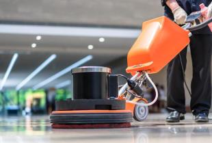 Sprzęt czyszcząco – myjący dla domu i firmy