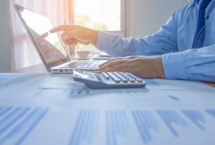 Zalety innowacyjnych programów do zarządzania biurem rachunkowym