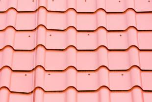 Stal jako pokrycie dachowe – fakty i mity