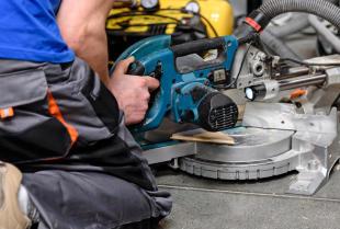 Wypożyczanie profesjonalnego sprzętu od firm budowlanych