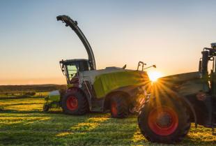 Usterki mechaniczne ciągników rolniczych