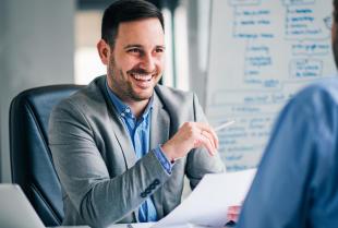 Jak znaleźć dobrą pracę za pośrednictwem agencji?