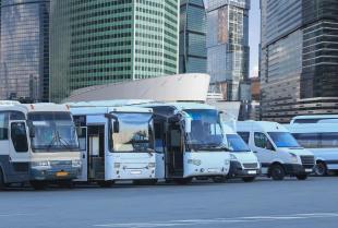 Jak przygotować się do długiej podróży busem?