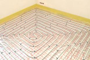 Ogrzewanie podłogowe wodne i elektryczne