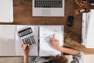 Wynagrodzenia i nie tylko – co wchodzi w zakres obsługi płacowej dla firm?
