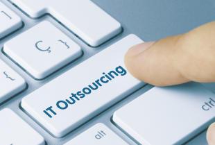 Na czym polega profesjonalny outsourcing informatyczny dla firm?