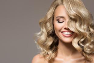 Regeneracja włosów – nowoczesne techniki fryzjerskie