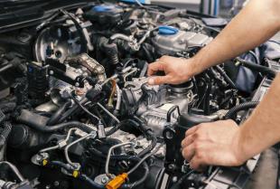 Proste naprawy samochodu, które mają duże znaczenie