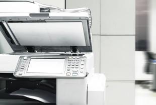 Urządzenia biurowe, których nie może zabraknąć w twojej firmie