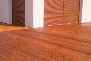 Drewno w budownictwie mieszkalnym – gdzie można zastosować ten materiał?