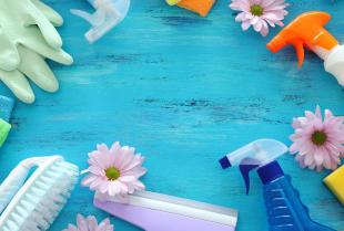 Jak skutecznie wyczyścić tapicerowane meble?