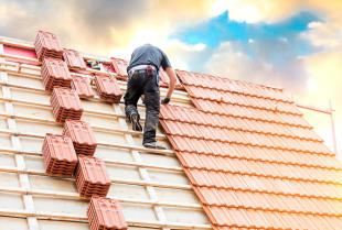 Przygotowanie połaci dachowej – kluczowy etap prac dekarskich