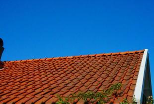 Remont starego dachu – o czym warto pamiętać?