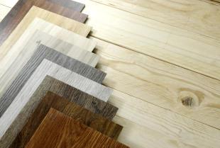 Podłogi drewniane – gatunki drewna na podłogę drewnianą