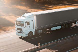 Usługi transportowe – jak wybrać odpowiednią firmę?