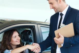 Czy wynajem pojazdu na uroczystość to dobry pomysł?