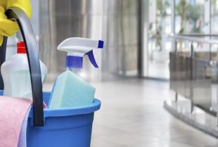 Utrzymanie czystości na dużych powierzchniach handlowych