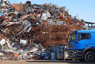 Recykling – uciążliwa konieczność, czy rozwiązanie problemu odpadów?