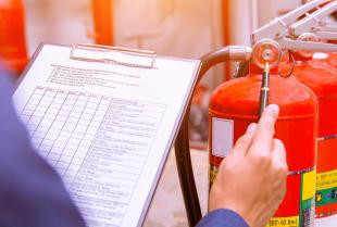 Zabezpieczenia przeciwpożarowe w budownictwie