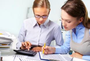 Co mieści się w zakresie profesjonalnej obsługi kadr i płac?