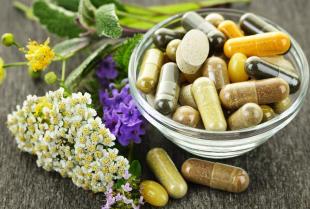 Jakie witaminy i minerały powinni suplementować sportowcy?