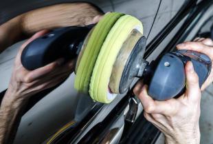 Jak dbać o lakier samochodowy?