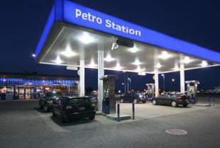 Stacje benzynowe – co oprócz paliwa?