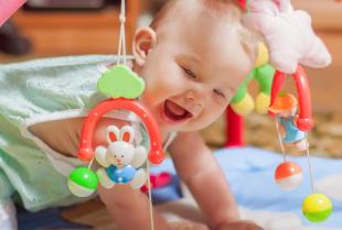 Jakie zabawki wybrać dla niemowląt?
