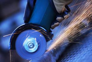 Narzędzia spalinowe na budowie - jak o nie dbać?