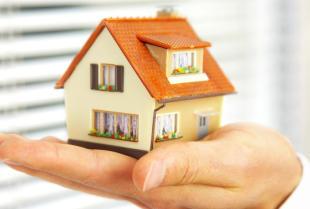 Zarządzanie a administrowanie nieruchomością – poznaj podstawowe pojęcia