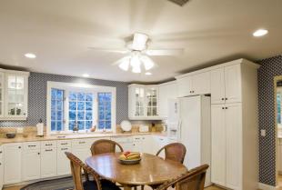 Sufit podwieszany – alternatywa dla tradycyjnego malowania