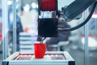 Drukarki 3D – praktyczne zastosowania drukarek trójwymiarowych