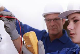 Kontrole bezpieczeństwa w domu i firmie - niezbędne zabiegi