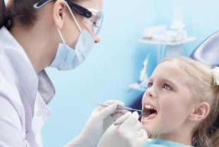 Zabiegi z zakresu stomatologii dziecięcej realizowane w profesjonalnym gabinecie