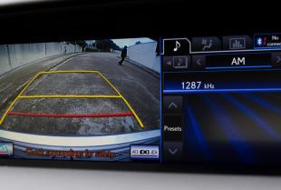 Jak zainstalować kamerę cofania w samochodzie?