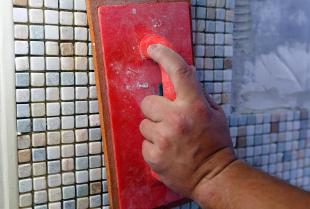 Jak wykończyć ściany w domu? Najpopularniejsze możliwości