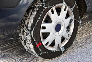 Jak wybrać odpowiedni łańcuch śniegowy do swojego samochodu?