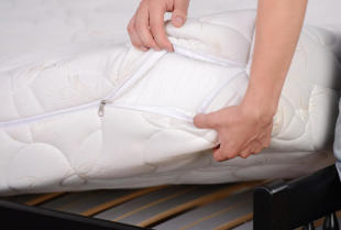 Na co zwrócić uwagę przy zakupie materaca do sypialni?