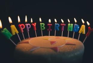 Organizacja imprezy urodzinowej – samodzielnie czy przez specjalistów?