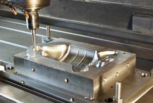 Na czym polega i gdzie ma zastosowanie obróbka skrawaniem CNC?