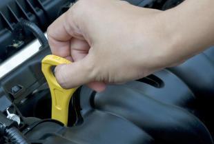 Wybór oleju silnikowego do auta