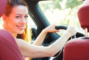Dlaczego i jaki samochód warto wynająć na wakacje?