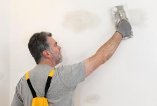 Prace wykończeniowe w mieszkaniu lub domu