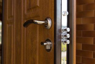 Jakie drzwi wejściowe do domu i mieszkania wybrać?