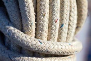 W jakich pracach niezbędna będzie dobrze dobrana lina lub sznur?