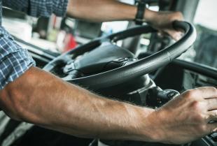 Szybkość przewożenia ładunków w kontekście czasu pracy kierowców