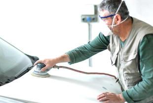 Jak wygląda praca blacharza samochodowego?